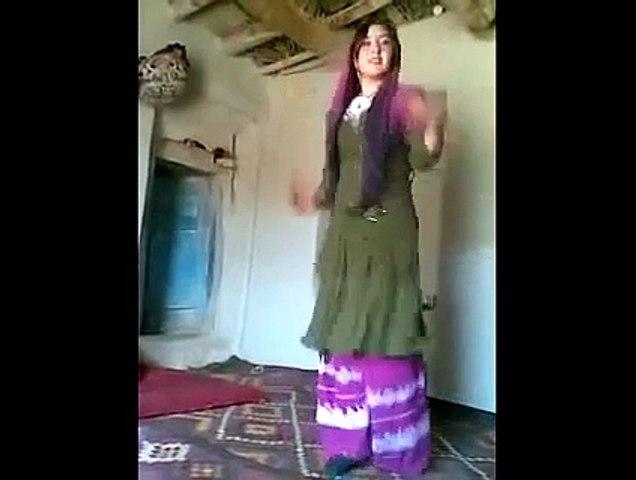 So Cute Afghan Dehati Girl Dancing from her heart