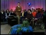 Moderator lacht Gäste aus ( Gute Quali ) + Übersetzung