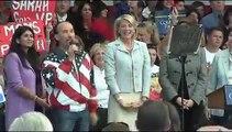 Lee Greenwood sings God Bless the USA at Sara Palin Rally