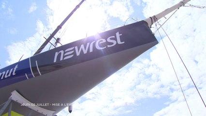 Mise a l'eau du 60 pieds IMOCA Newrest Matmut