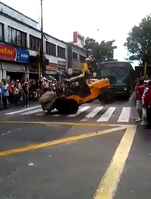 Jeep Stunt – Auto Cars Jeep Videos