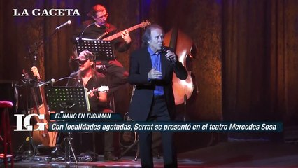 Con localidades agotadas, Serrat se presentó en el teatro Mercedes Sosa