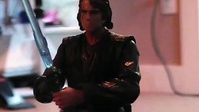 Star Wars:  Luke Skywalker vs. Anakin Skywalker (Stop-motion)