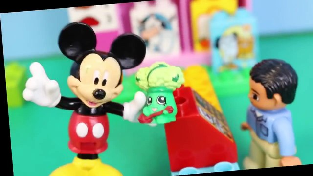 Peppa Pig Shopping Shopkins at the Duplo Lego My First Shop and Mickey Mouse with Minnie M