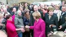 Angela Merkel (CDU CSU IM Erika): unbeliebteste Frau Deutschlands, blamiert sich in Bielefeld !