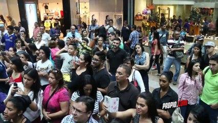 """Así fue el Showcase de Víctor Muñoz para su gira """"Te quiero bonito"""""""