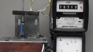 AA AAA Battery torture