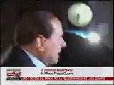 Berlusconi Frappé au visage à Milan // Italian Prime Minister Agressed at Milan