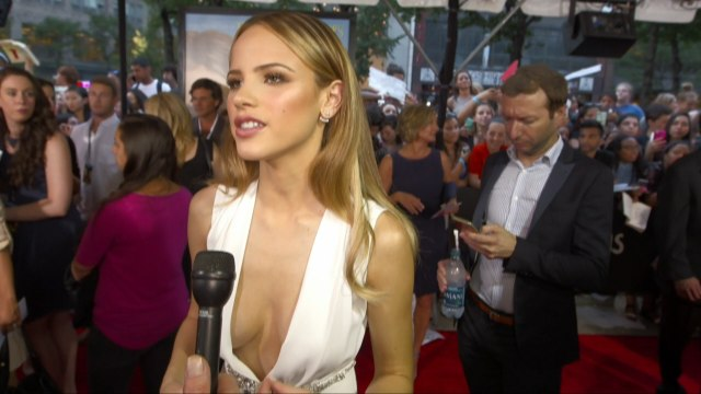 Halston Sage Shows Off Her Hot Bod At Paper Town Screening