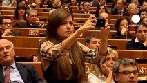 Parlement européen : Roberto Benigni plaisante sur la saison des chutes en Italie