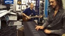 Un synthétiseur reproduit le son d'une guitare électrique