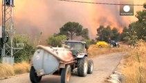 Incendies : inquiétude près de Barcelone, espoir près de Bordeaux