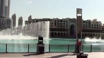 DUBAI MALL WATER FOUNTAIN SHOW - World's largest dancing fountain