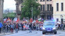 Pegida-Demo in Dresden: Nett zu Touristen, hetzend gegen Flüchtlinge