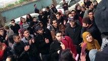 La grève des insatiens devant le ministère d'enseignement supérieur et de la recherche