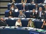 Cohn-Bendit atomise et humilie Le Pen au parlement européen