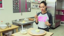 How to Cake BAGEL CAKES! Vanilla cake bagels, fondant seeds and buttercream cream cheese filling!