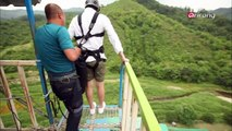 Benji and Carson visit a bungee jumping site