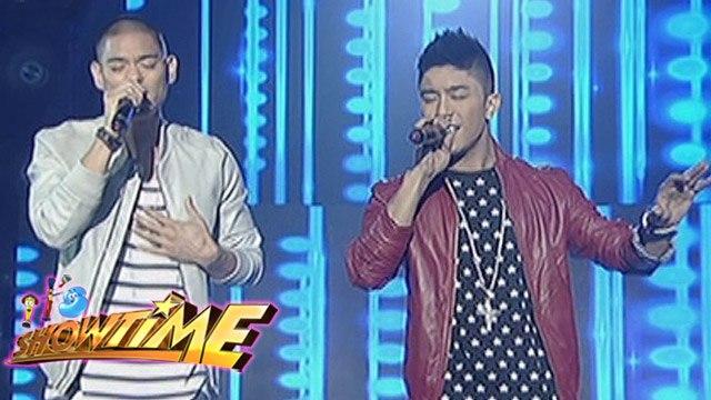 "Jay-R, Kris Lawrence sing ""Bakit Pa Ba"" & ""Kung Malaya Lang Ako"" on   It's Showtime"