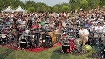 1.000 personnes font une reprise des Foo Fighters et invitent Dave Grohl en Italie !