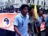 Alumnos de la universidad la Cantuta rechazan a MOVADEF en marcha por la paz en Lima