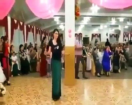 شاهد كيف اختطفوا فتاة ترقص في وسط أحد الأعراس