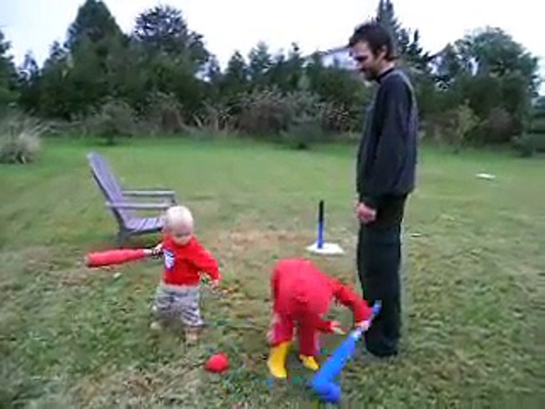 kids playing T-ball