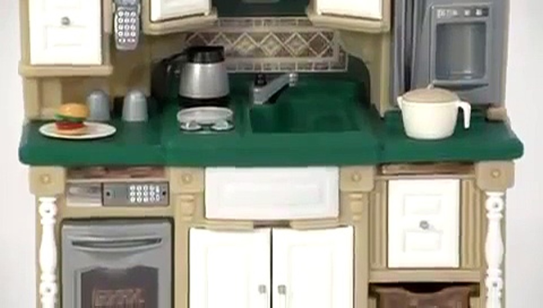 Step2 Lifestyle Dream Kitchen Play Set - video dailymotion