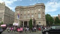 Para Hillary Clinton, embargo à Cuba deve acabar definitivamente