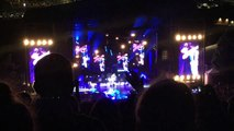 Girls & Boys Good Charlotte live 5sos Verizon amphitheater