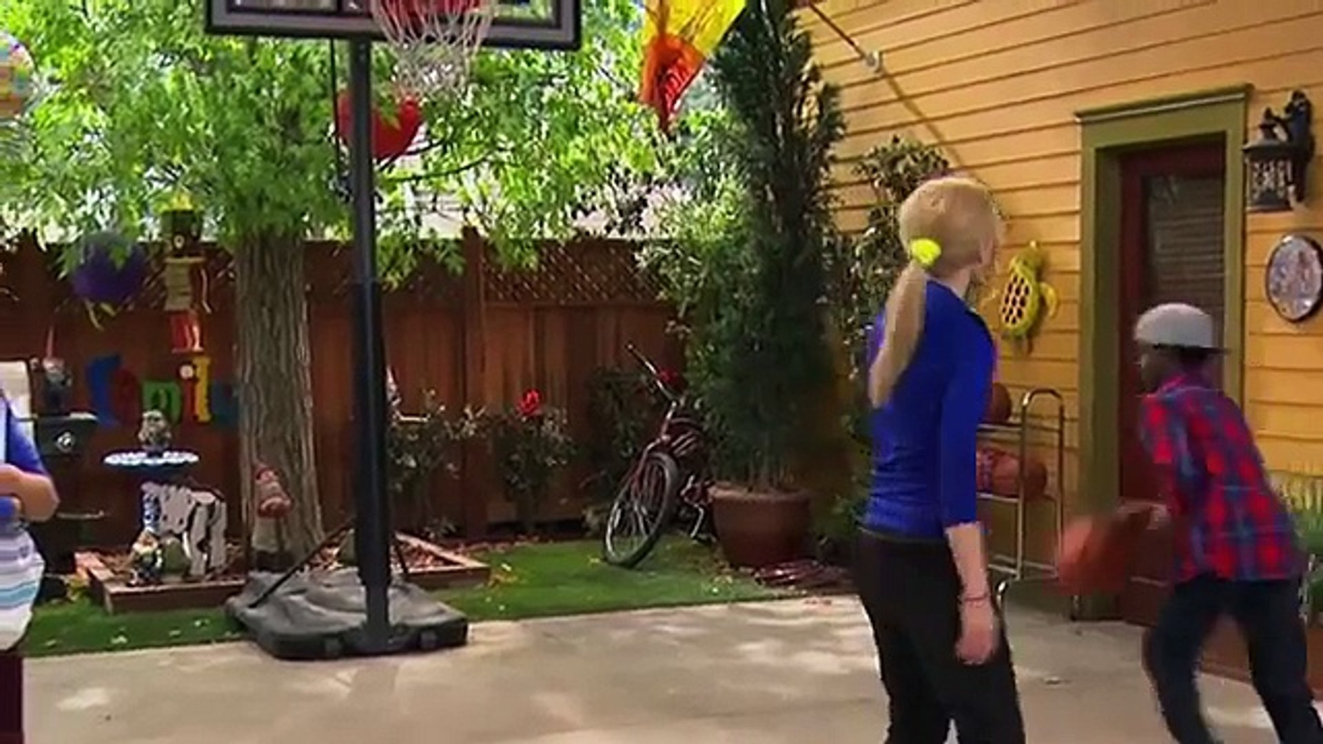Liv And Maddie Season 2 Episode 21 Triangle A Rooney