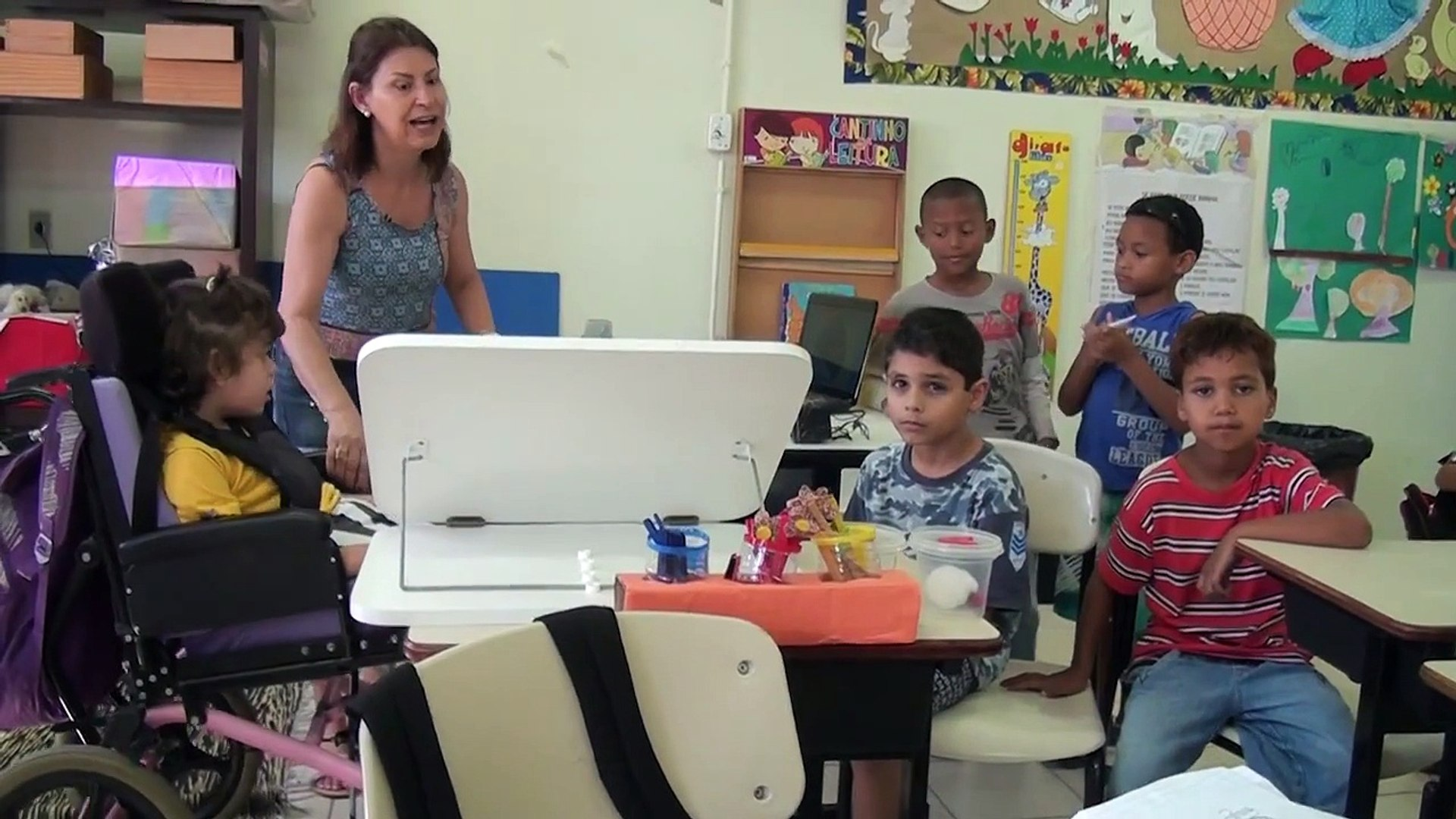Como é feita a inclusão da criança com deficiência na escola? Programa Alcance - 11/2014 bloco 1
