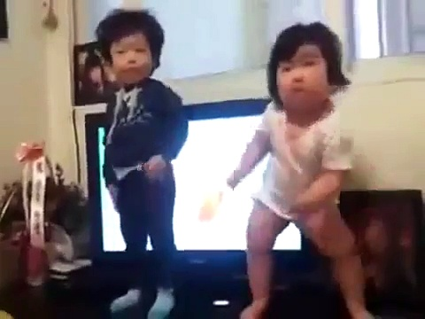These Korean Kids Started Dancing, Everyone Went Wild | Funny Videos | Whatsapp videos | talkindiaTV