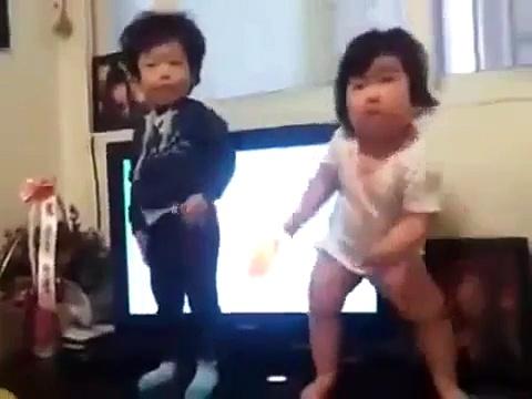 These Korean Kids Started Dancing, Everyone Went Wild | Funny Videos | Whatsapp videos | talkindiaTV