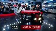 Mesa vermelha   Gil Brother Away, Danilo Gentili, Murilo Couto e Leo Lins