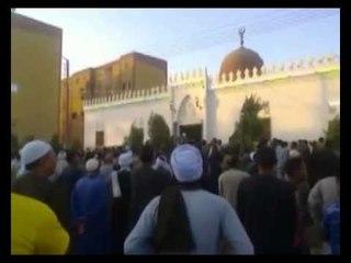 الآلاف يُشيِّعون جثمان شهيد سفارة النيجر بمسقط رأسه بجرجا بسوهاج