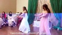 Karachi Beautifull Girls Wedding  Dance on Song Manwa Lagey-HD------------