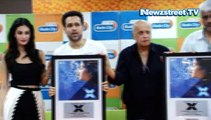 Anupam Kher offers Guru-Dakshina to Bollywood guru Mahesh Bhatt