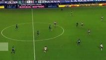 Zap du 3 aout : le premier but de Xavi avec Al Saad, Tevez commence bien avec Boca, Kaka réalise un double petit pont et un gardien mange le burger jeté par les supporters