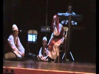 Monologu Nga Adem ibrahimi me vejz dhe nip te vet  ne biel bjene 28 Nentori 2013