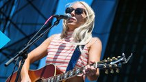 Ashley Monroe Records Unplugged Cover of Mellencamp's 'Pink Houses'