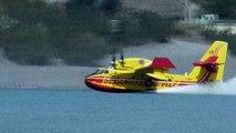4 Canadairs cl 415 en vol est écopage