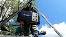 Épandage d'anti-limace avec un quad Polaris et épandeur Delinbre en 2012 en France.