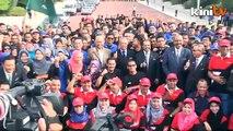 Muhyiddin launches PMO club flood aid mission
