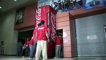 Le Distributeur Coca Cola De L'amitié