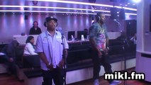 "Petit Live Improvisé de Busta Rhymes chez Mikl "" Break ya neck"""