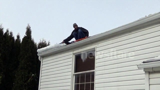 TEARING DOWN THE HOUSE! (GUTTER FAIL)