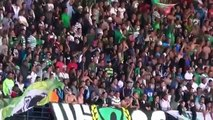 Les supporteurs du raja chantent pour l'algerie جمهور الرجاء البيضاوي يغني للجزائر
