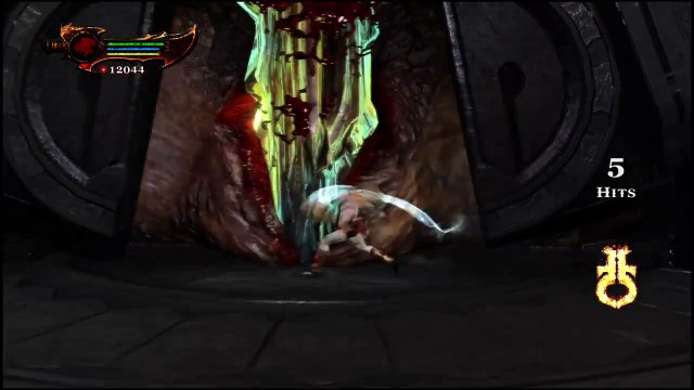 God of War® III Remastered - Kratos vs Cronos