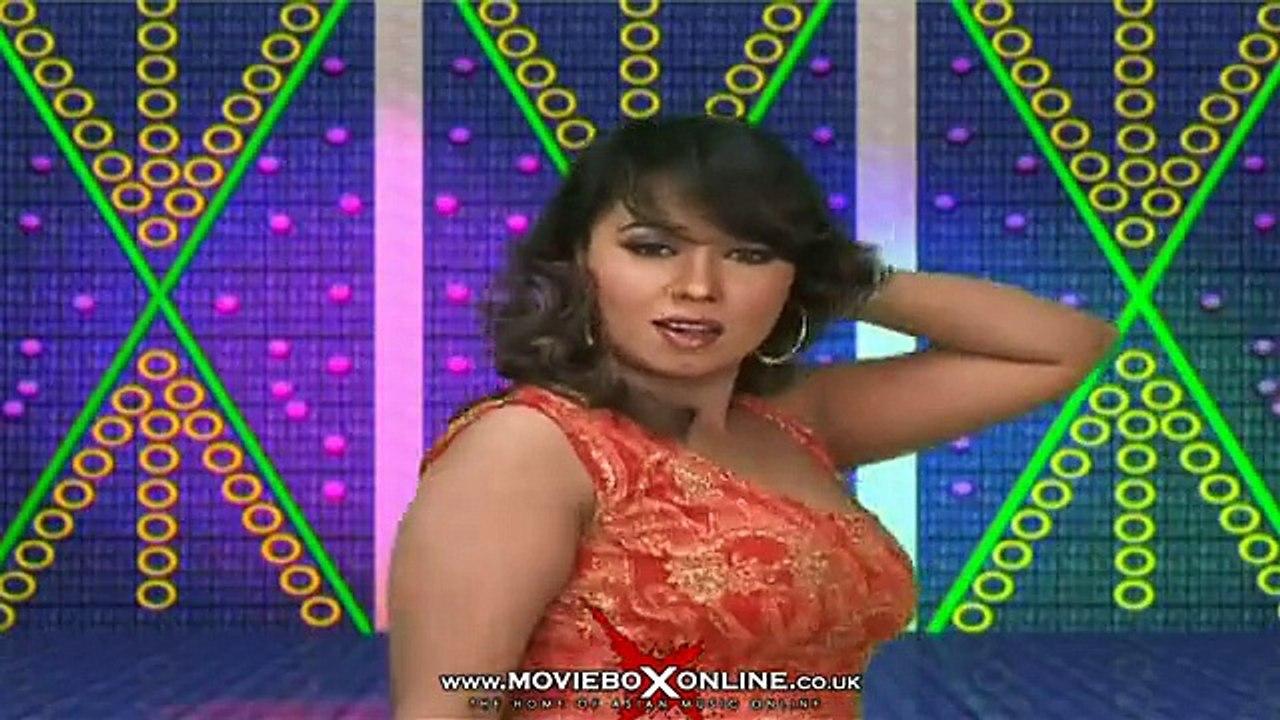 HOT GIRL SHEEZA - NEW PAKISTANI MUJRA 2014 - video Dailymotion